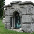 yellow_jacket_nest_mausoleum_dave
